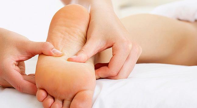 Reflexología-Masajes-en-los-pies