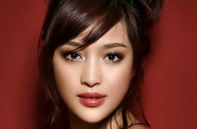 Maquillaje y rostro de asiáticas-